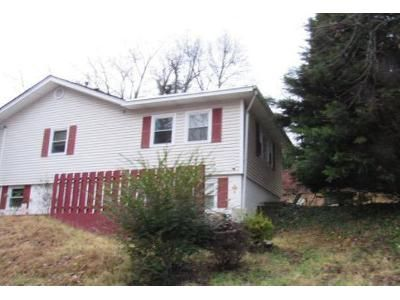 1 Bed 1 Bath Foreclosure Property in Oak Ridge, TN 37830 - Outer Dr