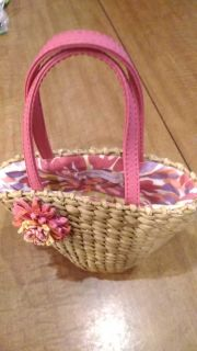 Bath and Bodyworks little gift purse, can be filled with body wash, lotion, and spray...regular size products