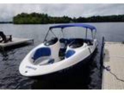 2001 Yamaha LX2000 Power Boat in Douglas, MA
