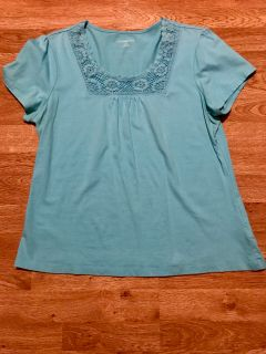 EUC Lrg pretty light blue top brand from the US
