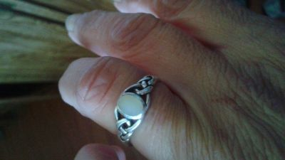 Silver size 7 mother of pearl