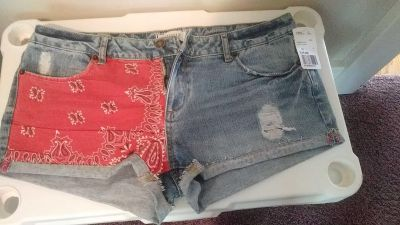 FOREVER 21 jean shorts size 30