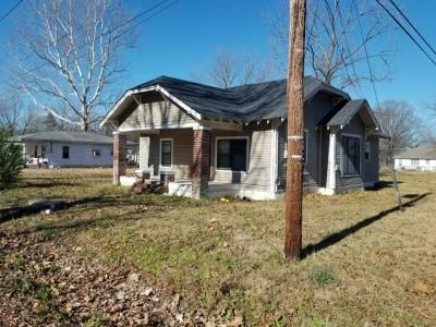 3 Bed 1 Bath Foreclosure Property in White Hall, AR 71602 - W 4th Ave