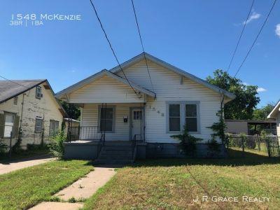 Single-family home Rental - 1548 McKenzie