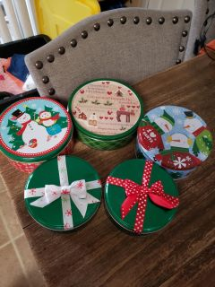 Set of 5 Christmas Candy / Cookie Tins. Excellent Condition