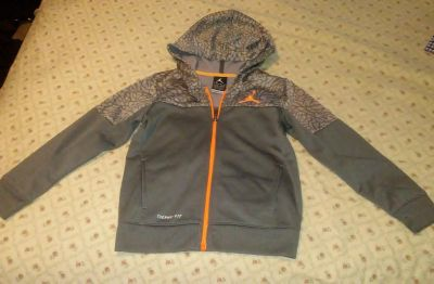 ,, Jordan Thermal-fit brand style size 5/6 excellent conditions light weight sweater SATURDAY I MEET IN LAKE JACKSON OR MY PROFILE MY MEETIN