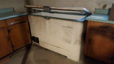 Freezer, chest