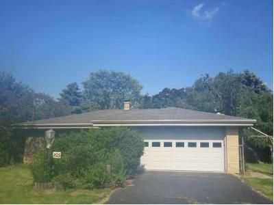 3 Bed 3 Bath Foreclosure Property in Racine, WI 53406 - Meadowlane Ave