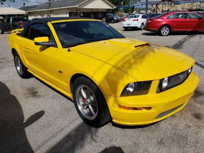 2006 Ford Mustang GT Deluxe (Yellow)