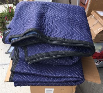 12 Moving Blankets
