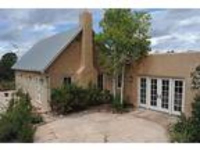 This Northern New Mexico Style House Is Very Private and Secure