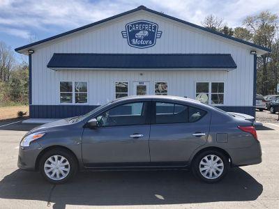 2017 Nissan Versa S (Grey)