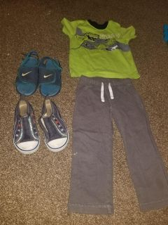 Free 24m boy clothes & toddler sz 8 & 10 Nikes & Old Navy shoes