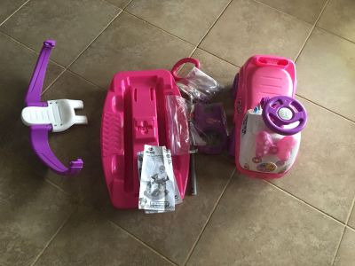 Minnie Mouse 4 in 1 ride on activity car