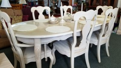 Oak table with 6 chairs and china cabinet