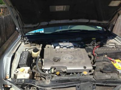 2002 Infiniti I35 for parts