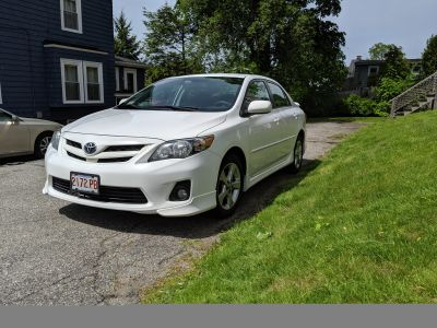 2011 Toyota Corolla S 1.8 l 5 speed manual transmission