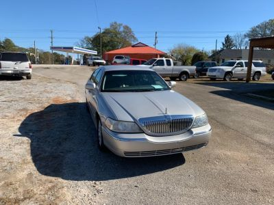 2005 Lincoln Town Car Signature (Silver Or Aluminum)