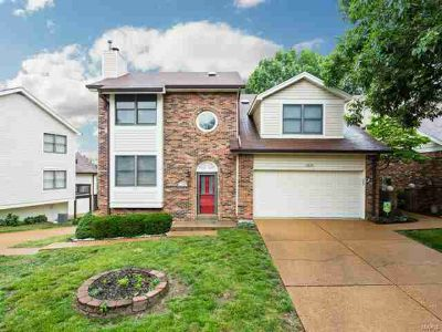 13725 La Conte Saint Louis Two BR, This charming town home