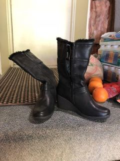 NWT Hush Puppies Winter Boots
