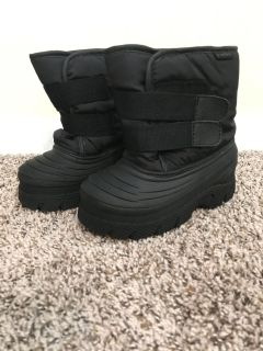 Toddler Size 10 Black Snow Boots