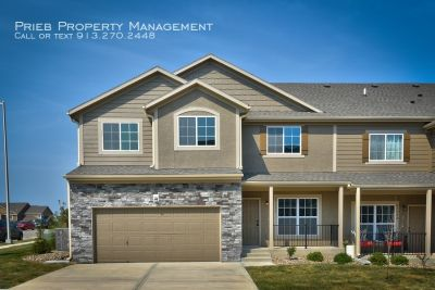 Parkview Townhome - Available September 4th