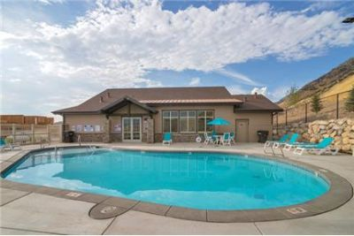 Large 3 Bedroom Town Home on Provo's South East Bench