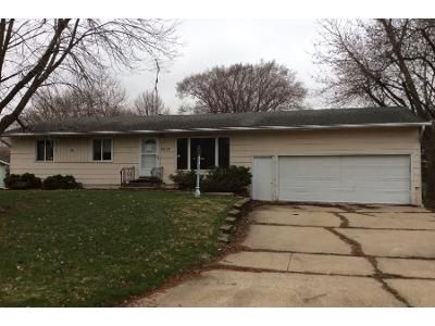 3 Bed 1 Bath Foreclosure Property in Marshalltown, IA 50158 - Reyclif Dr