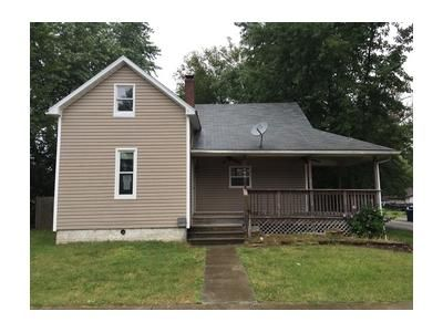 2 Bed 2 Bath Foreclosure Property in New Baden, IL 62265 - W Birch St
