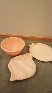 Set of 3 Party Trays/Bowl in Peach colors