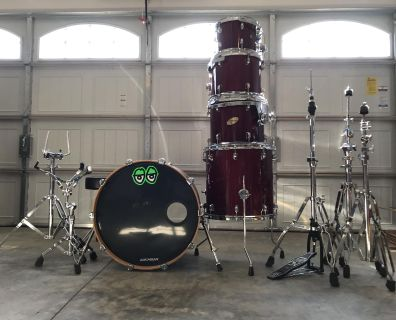 Ludwig Action CS Custom 5 piece Drum Set. New heads. Stands and 3 cymbal stands.