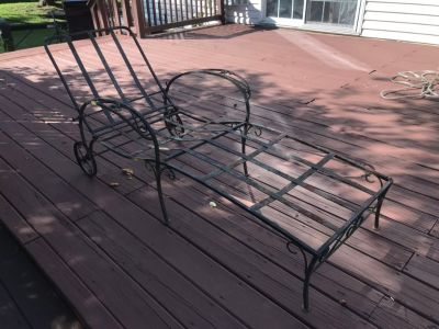 Wrought Iron Patio lounge chair