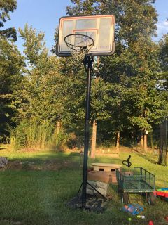 LIFETIME ADJUSTABLE PORTABLE BASKETBALL HOOP- NEED GONE WITHIN THE HOUR! Let me know if you re interested! Open to offers!