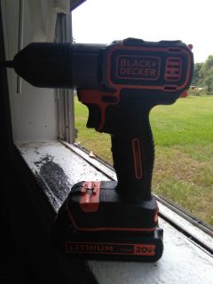 Black and Decker drill just needs charger works great