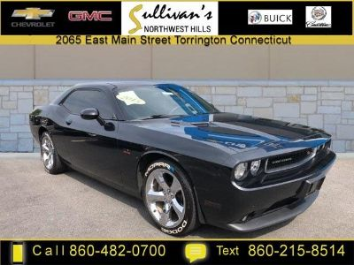 2013 Dodge Challenger R/T (Phantom Black Tri-coat Pearl)