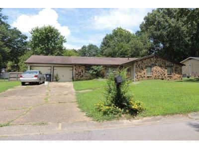 3 Bed 2 Bath Preforeclosure Property in Birmingham, AL 35235 - Vicki Dr