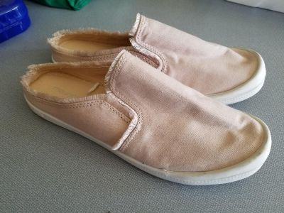 Size 8 womens shoes