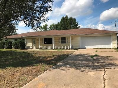 3 Bed 2 Bath Foreclosure Property in Terrell, TX 75160 - County Road 2326