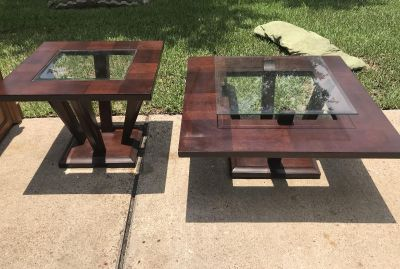 SOLID WOOD COFFEE TABLE AND SIDE TABLE
