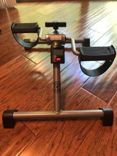 Gold s Gym folding upper and lower body cycle with monitor