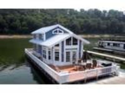 2011 Harbor Cottage Houseboat