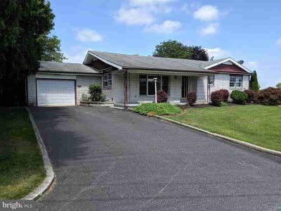 392 Musser Rd Mount Joy, This Three BR, Two BA rancher