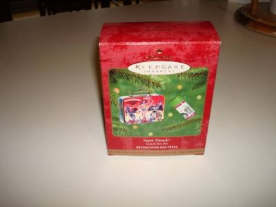 1997 HALLMARK KEEPSAKE ORNAMENT SUPER FRIENDS Lunch Box Set Pressed Tin