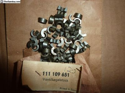 NOS VW 25-36HP Valve keepers