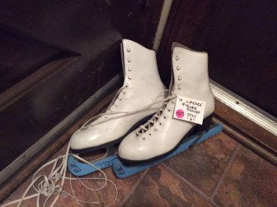 Ladie s Figure Skates and Girls Gold Star Leather Figure Skating Boot