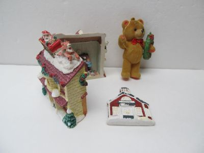 Small House + 2 Ornaments $1 ALL