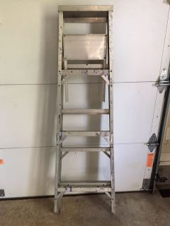 5 ft step ladder - good condition