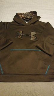Youth Under Armour pullover / hoodie