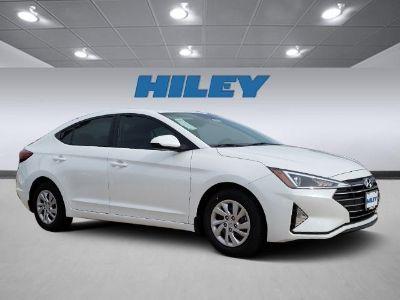 2020 Hyundai Elantra SE (Quartz White Pearl)