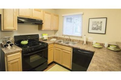 Pet Friendly 2+2 Apartment in Gurnee
